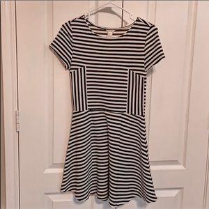 Dresses & Skirts - Black/white skater dress S